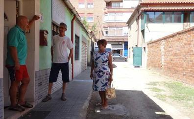 El asfalto llegará este verano a la última vía de tierra del barrio vallisoletano de La Rubia