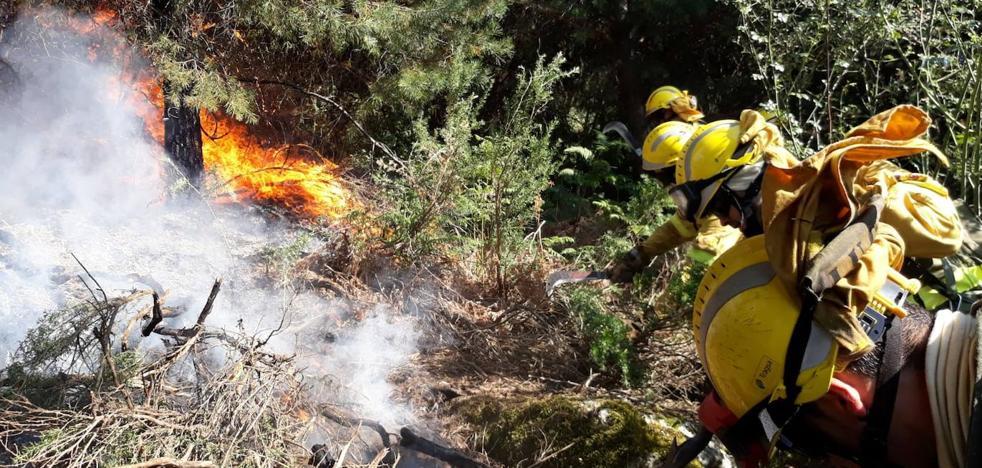 Arde el Parque Nacional de Guadarrama a las puertas de La Granja de San Ildefonso