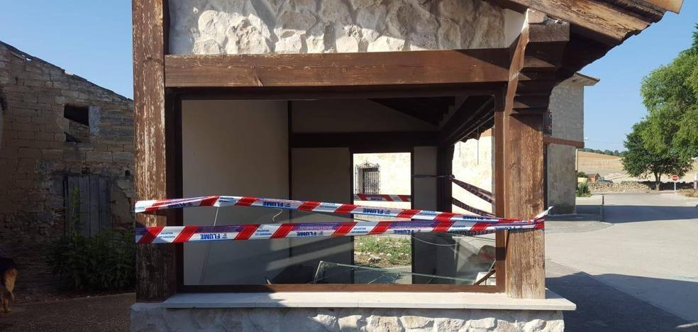 Destrozos y vandalismo de madrugada en San Martín de Valvení