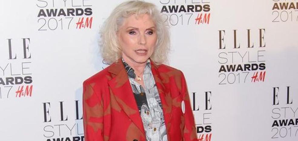 La cantante de Blondie revela que fue violada a punta de cuchillo