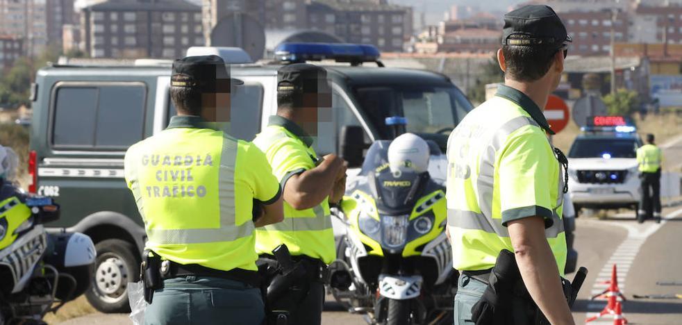 Detenido un portugués en Venta de Baños por el robo de un todoterreno en Villahán