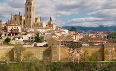 Ya puede verse el tráiler de la película china 'Line Walker 2', rodada en Segovia y en la que dos vehículos atraviesan la muralla