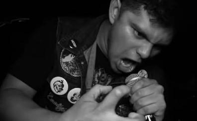 Asesinado a tiros durante un concierto el vocalista de 'Apes of God'