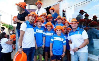 Los miembros del Club Deportivo de Doñinos abren las fiestas patronales con su pregón