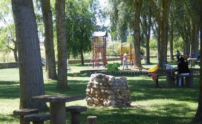 Muere un hombre de 75 años atragantado cuando comía en el parque de Herrera de Pisuerga