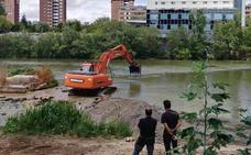 La recuperación de las aceñas del Pisuerga comienza con el secado parcial del río