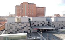 Detenido un paciente del Clínico de Valladolid tras intentar agredir a un médico y portar una navaja