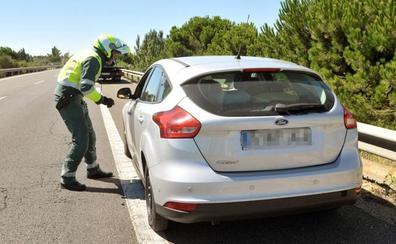 Se graba a 205 kilómetros por hora entre La Seca y Medina del Campo y lo sube a redes sociales