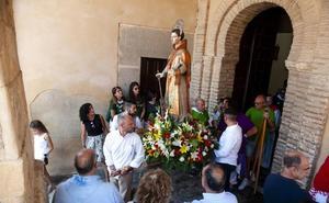 El barrio de San Lorenzo se entrega a su patrón en el día grande las fiestas