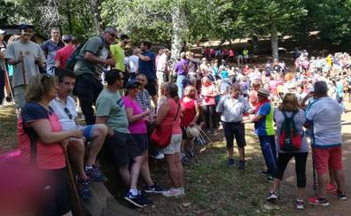 Unas 400 personas participan en la XI Marcha Ruta por Sierra Chica de Linares de Riofrío