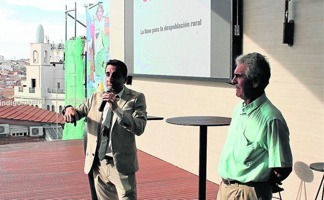 Un viticultor invita a las empresas a abrir negocios en torno al viñedo