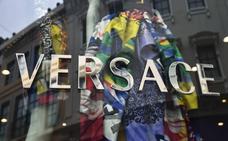 Versace se disculpa por ofender a China con el diseño de una camiseta