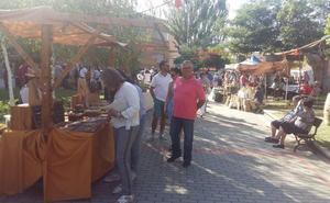 Multitud de actividades y de productos de todo tipo en el Mercado Campesino de Miranda de Azán