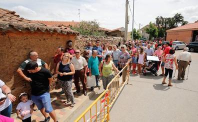 Mil suculentas raciones de paella para poner fin a la fiesta de Santo Domingo en Doñinos