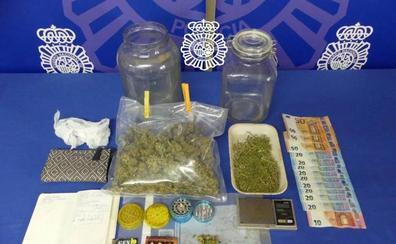Detenido un hombre que vendía droga en su domicilio en Salamanca