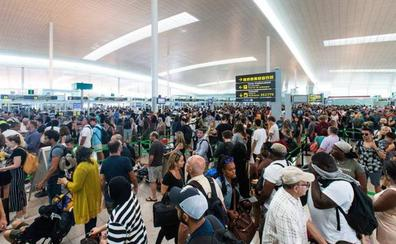 El personal de tierra de Iberia convoca huelgas en los aeropuertos de Bilbao y Barcelona