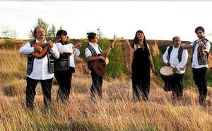 La plaza del Ayuntamiento de Monzón acoge este sábado el concierto de Amalgama Folk