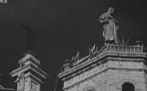 Valladolid en el No-Do: la fiesta por los 25 años de la colocación del Sagrado Corazón en la Catedral