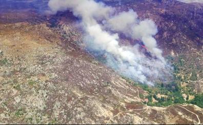 Cerca de 180 hectáreas quemadas en el incendio de Navalcruz, que mantiene el nivel 1 de peligrosidad