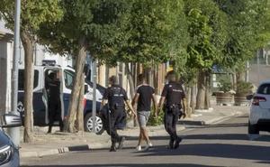 Despliegue policial en el municipio vallisoletano de La Seca ante una denuncia de matrimonio forzado