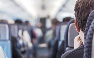 ¿Qué debo tener en cuenta si viajo en avión con niños?