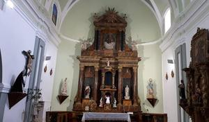 La misa en Fuentesoto deja de celebrarse en el bar para volver a la iglesia, cerrada dos años por obras