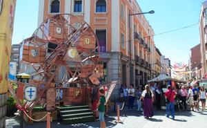 Medina del Campo evoca en su Feria Renacentista la captura de comuneros en las tabernas