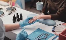 El peligro tras la manicura semipermanente