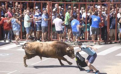El herido por asta de toro en el encierro de Rueda se recupera de las cornadas en el Hospital de Medina