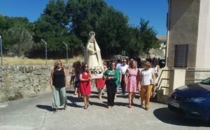 Nuestra Señora de la Asunción moviliza a los vecinos de Sorihuela en un piadoso desfile procesional
