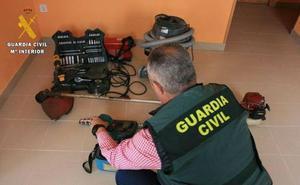 Intervienen en Zamora 300 prendas de ropa falsas a una pareja de Valladolid