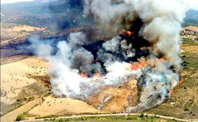 Un incendio causa la alarma en la zona de Serradilla del Arroyo