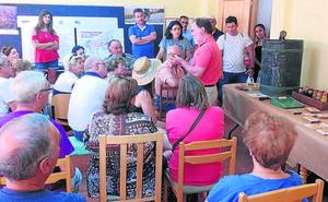 El Mercado de la Miel de Tejares espera atraer a unos 2.000 visitantes
