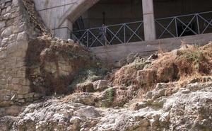 Insisten en denunciar el estado de «abandono» en el que se encuentra la Cueva de Salamanca