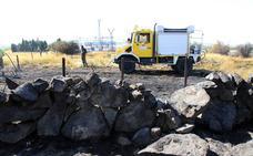 La Junta da por extinguido el incendio cercano a chalés y a la subestación eléctrica de Otero