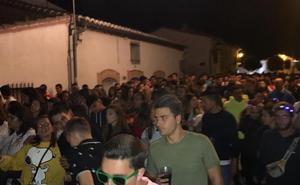 Tres detenidos por actos vandálicos en un multitudinario botellón en el vallisoletano pueblo de Pollos