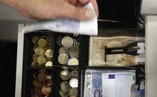 El TSJ exime a una trabajadora de hostelería de reintegrar a la empresa los 3.223 euros de la caja de un día, que desaparecieron
