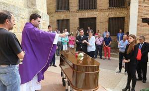 Las campanas de Santa Eulalia tocan por Pilar, palentina asesinada a manos de su pareja