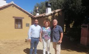 El periodista argentino Adrián Cragnolini visita Palencia para conocer los lazos con su país