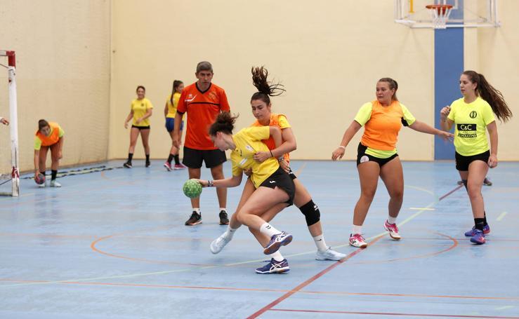 Pretemporada del club balonmano femenino Palencia turismo