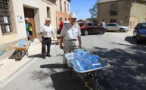 Ochando, el pueblecito segoviano que sufre el calvario de vivir sin agua potable en las casas desde 2014
