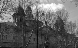 Misterioso asesinato en el convento
