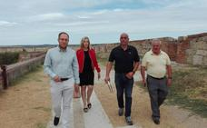 El Consistorio de Ciudad Rodrigo terminará la obra del adarve tras renunciar la empresa
