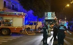Dos fallecidos en un incendio de una vivienda en Sevilla