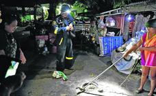 El bombero que caza serpientes