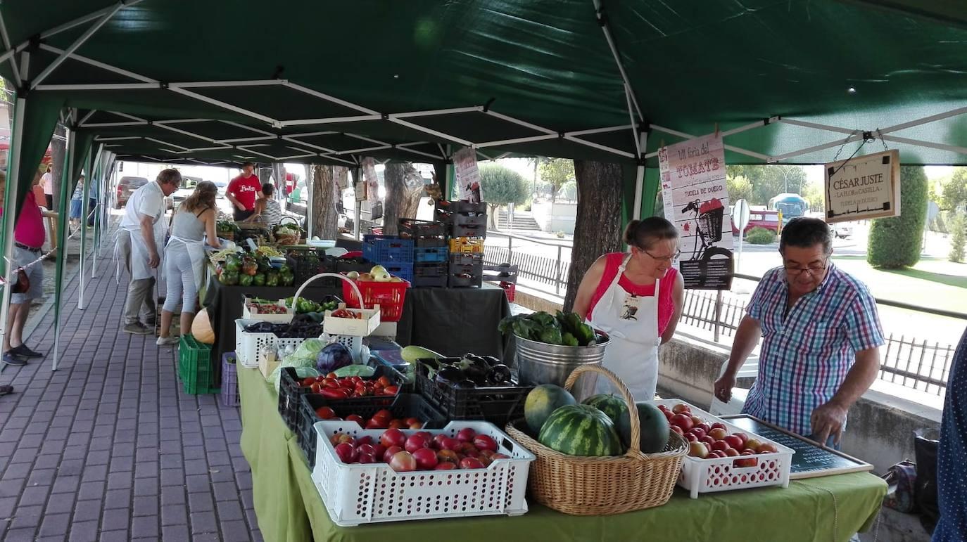 Tudela de Duero presume de la calidad de su huerta con la cata y venta de 3.000 kilos de tomate
