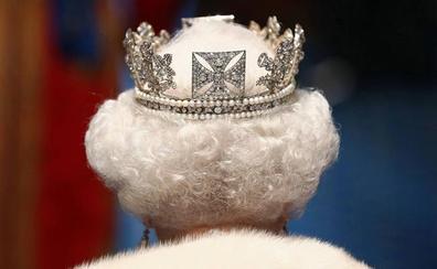 ¿Qué puede hacer Isabel II ante la petición de suspender el Parlamento?
