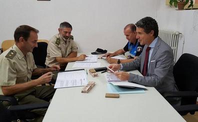 El Ayuntamiento y Defensa supervisan su colaboración