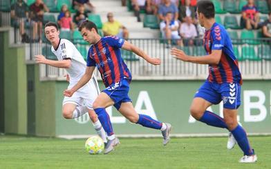 La Segoviana supera al Mirandés B en el bautismo de Dani Abad (3-1)