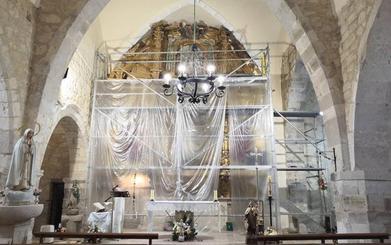 Los vecinos de Torrecilla alertan del riesgo de desplome del retablo